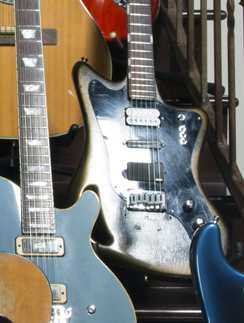 Glen Stair Guitar Tiesco.jpg